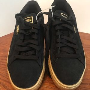 Puma Suede Shoes Black/ Gold Size 6C